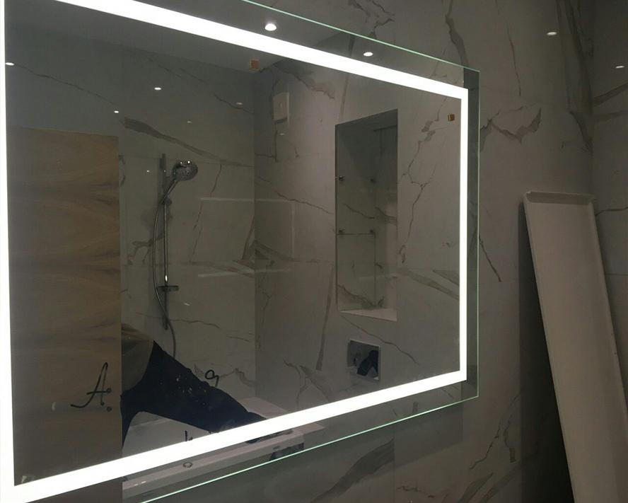 LED огледало с нагревател против изпотяване